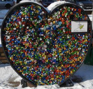 Serce na plastikowe nakrętki znów zapełnione
